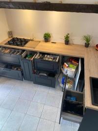 Rangements et fonctionnalité : optez pour une cuisine aménagée sur mesure