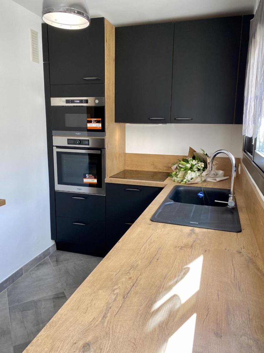 Projet cuisine sur mesure de la conception à la pose par EDI CUISINES à Marseille